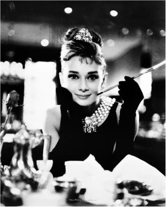 Audrey Hepburn - Breakfast at Tiffanys B/W
