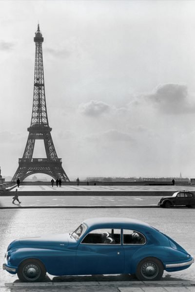 Paris Eiffel Tower - Blue Car