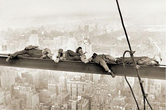 New York - Men On Girder