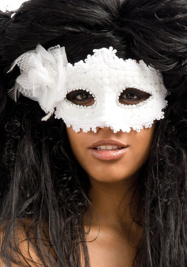 Ansiktsmask - White mask with lace and strass