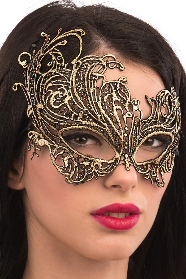 Ansiktsmask - Mask in gold Fabric Macrame