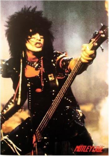 Mötley Crüe - Motley Crue - Nikki Sixx - Bass